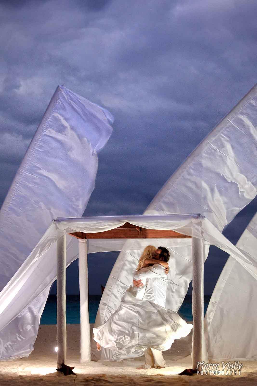 mariage de Santana sur la plage du Royal cancun resort